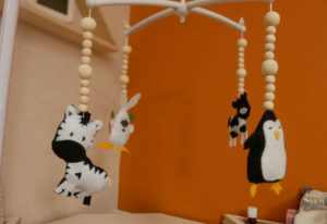 DIY MOBILE FEUTRINE zebre pingouin animaux